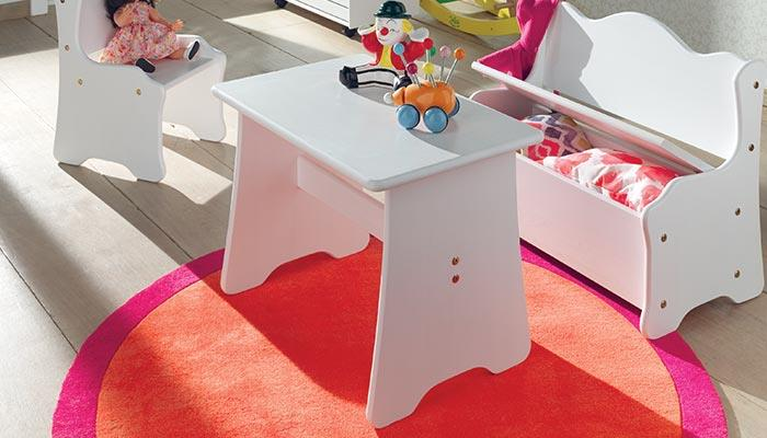cocktail scandinave table enfant. Black Bedroom Furniture Sets. Home Design Ideas