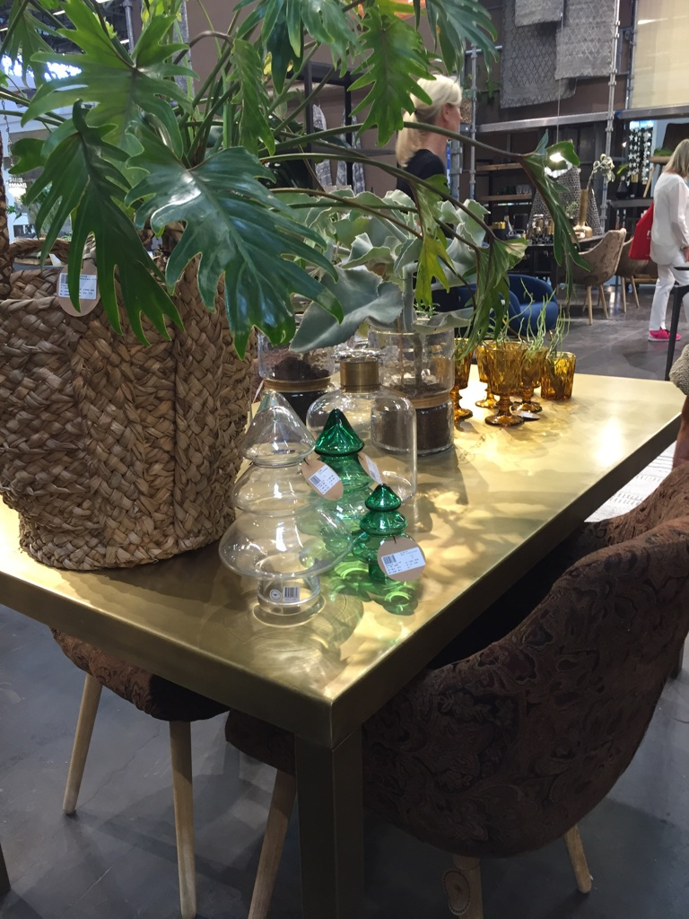 Table scandinave cuivre