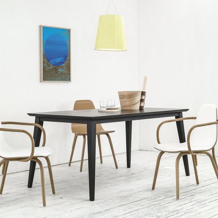 Table bois massif design scandinave