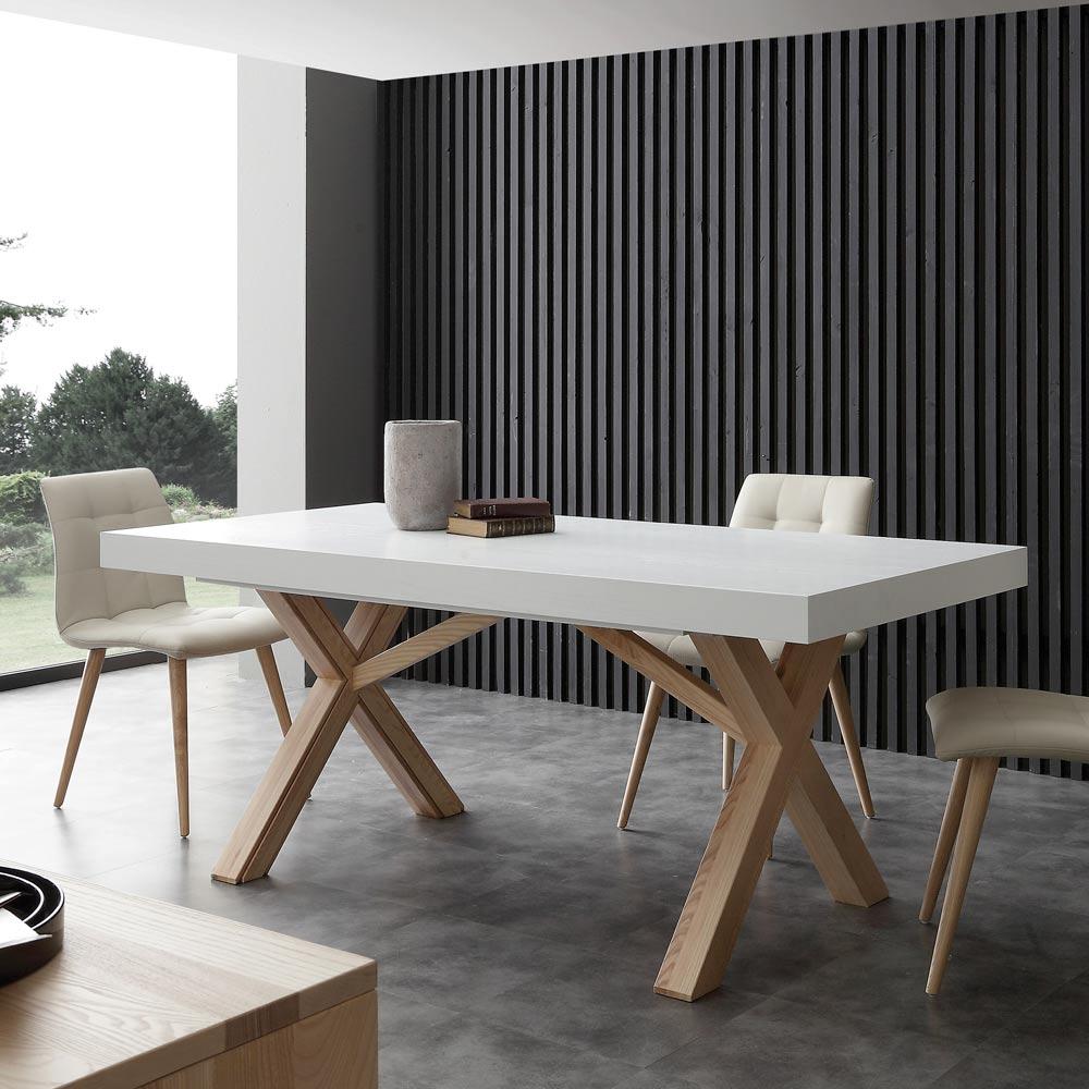 Table noir et chaise blanche scandinave - Boutique-gain-de-place.fr