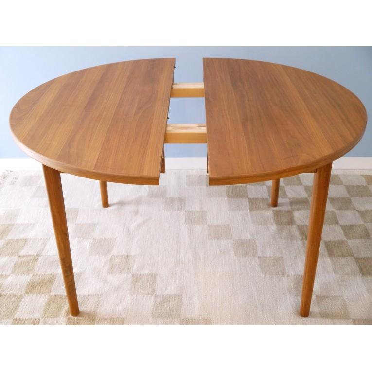 Table scandinave retro