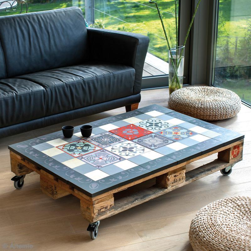 table basse en palette et carreaux de ciment boutique. Black Bedroom Furniture Sets. Home Design Ideas