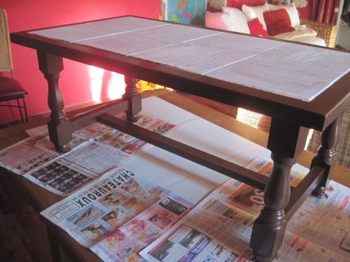 Repeindre Une Table Basse Avec Carrelage Venus Et Judes